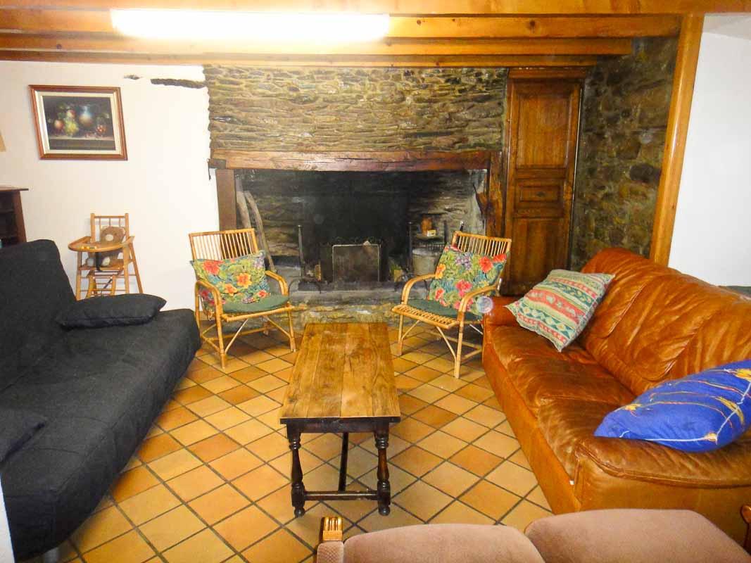 Location chalet pigoulet bareges for Canape devant cheminee